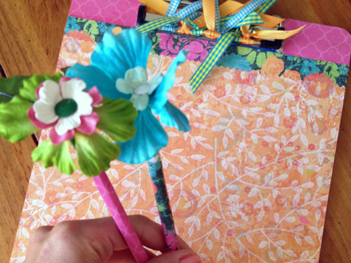 CUSTOMIZED FLORAL CLIPBOARDS AND PENCILS