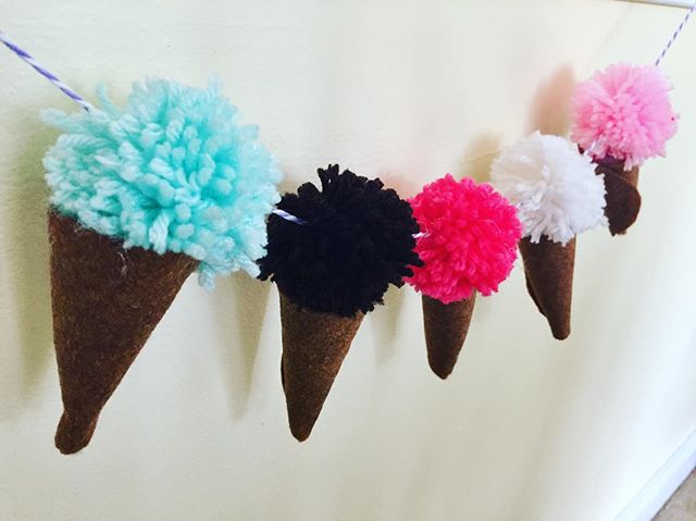 POM POM ICE CREAM CONE 🍦 BANNERS - HAPPY SUMMER! ☀️SEE YOU IN THE FALL! #thepaintedbirdcrafts #kidscrafts #afterschoolenrichment #craftforkids #summercrafts #pompomcrafts #haveagreatsummer