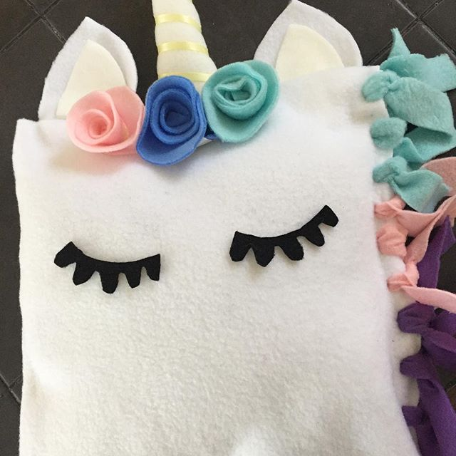 Unicorn pillow design idea for a craft bday party later this month❤️🦄