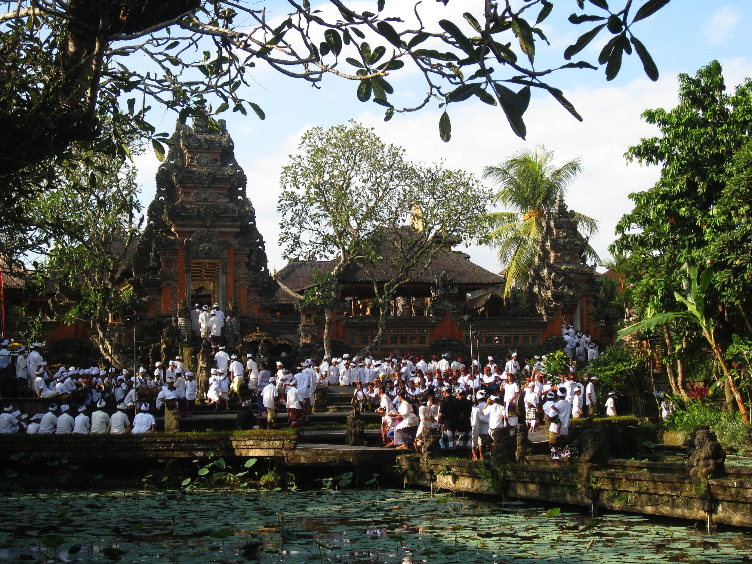 Temple behind Lotus Cafe - Ubud Bali