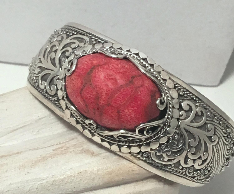coral bracelet.jpg