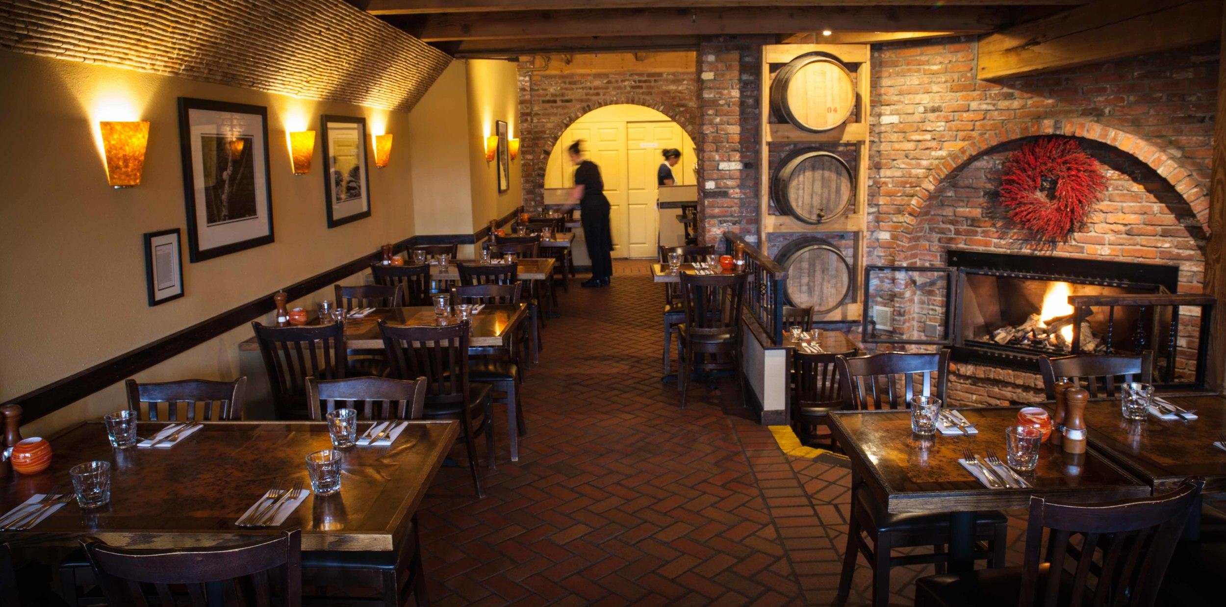 dining room SdV.jpg
