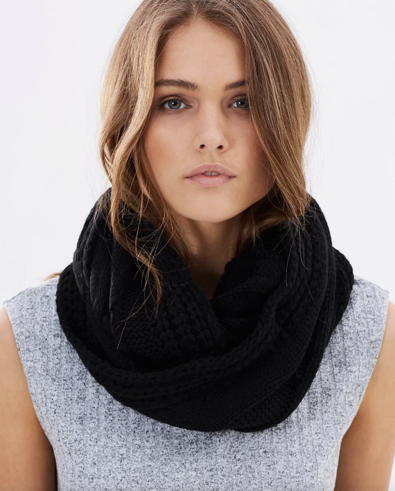 Jendi cable knitted snood $45