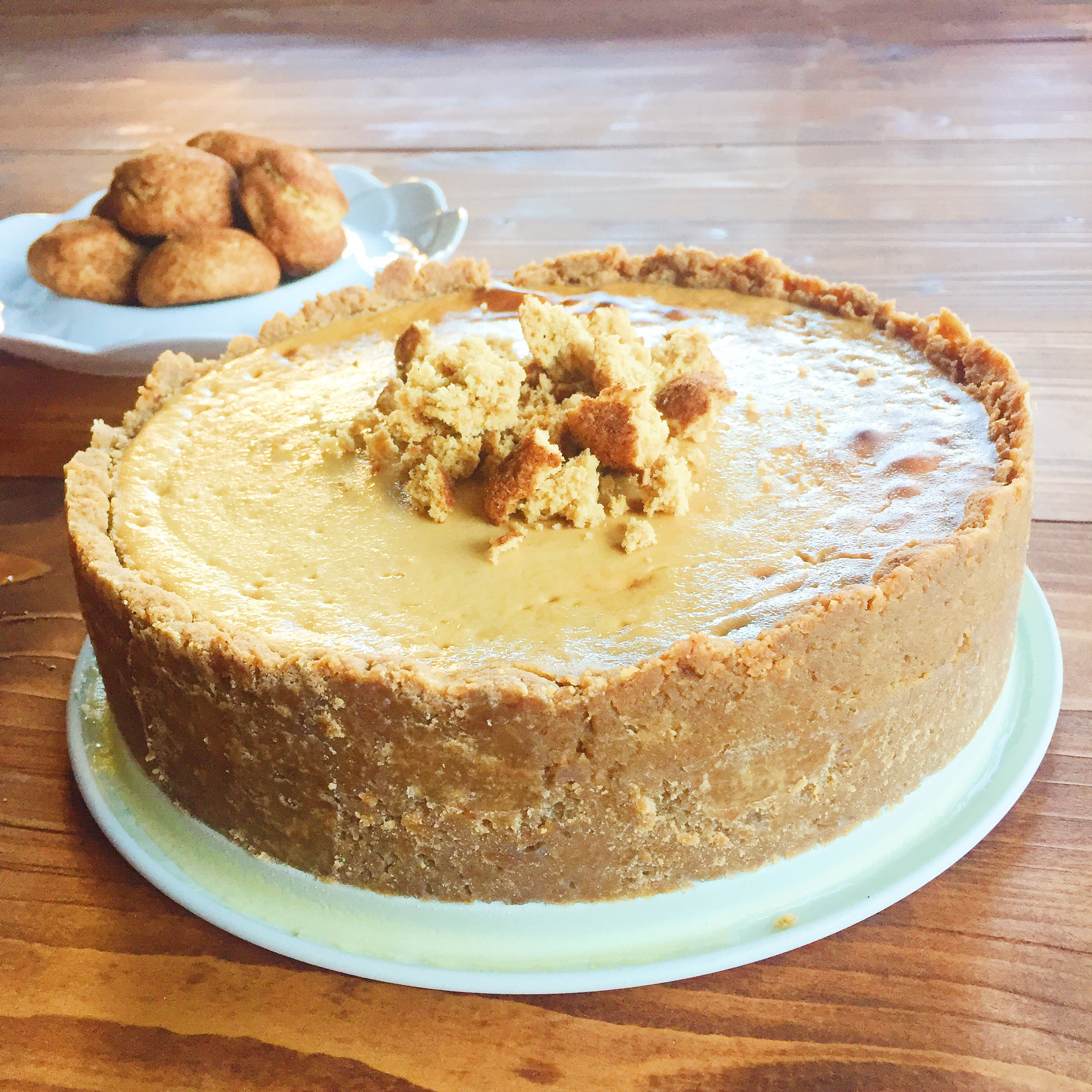 Snickerdoodle Almond Cheesecake