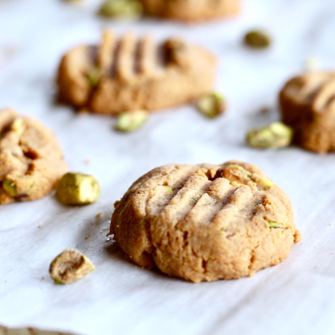 peanut butter pistachio cookies