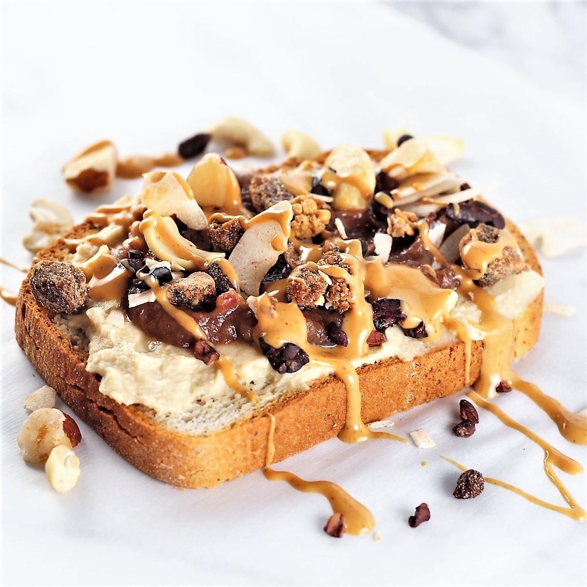 hummus & date toast