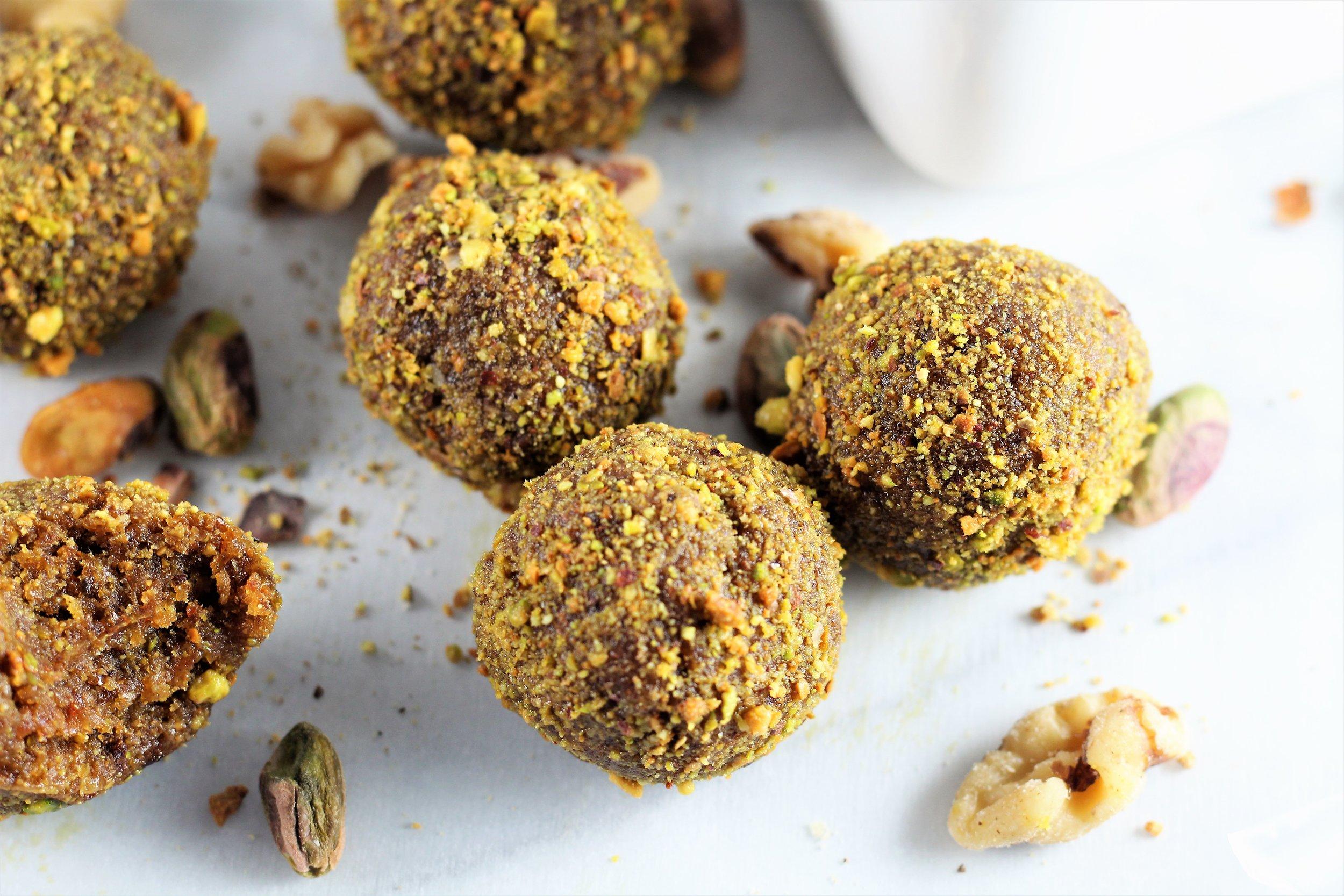no bake pistachio almond energy balls