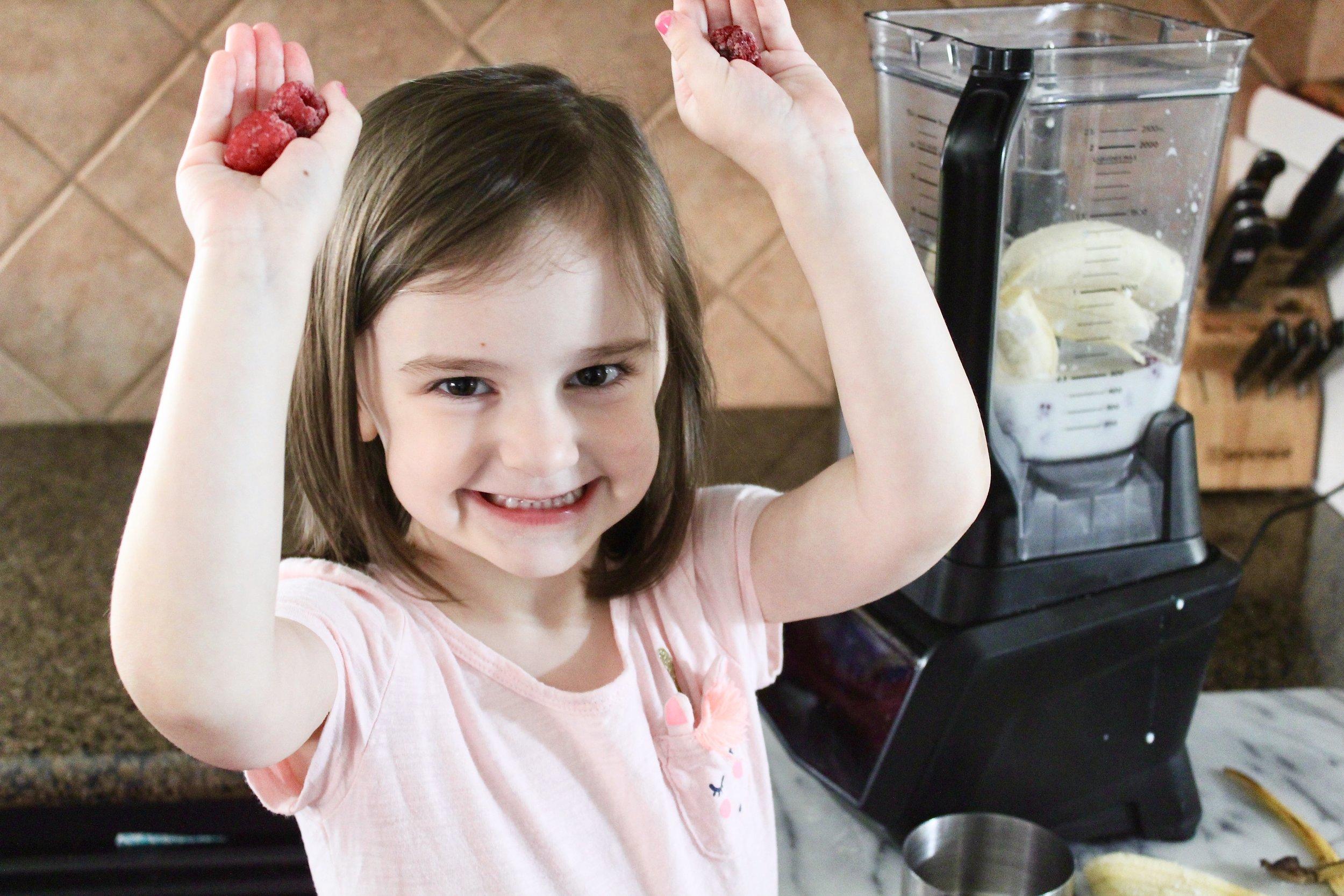 Easy no added sugar raspberry smoothie