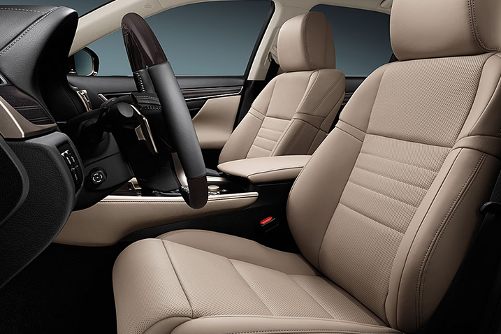 2016-lexus-GS-200T-interior-seats.jpg