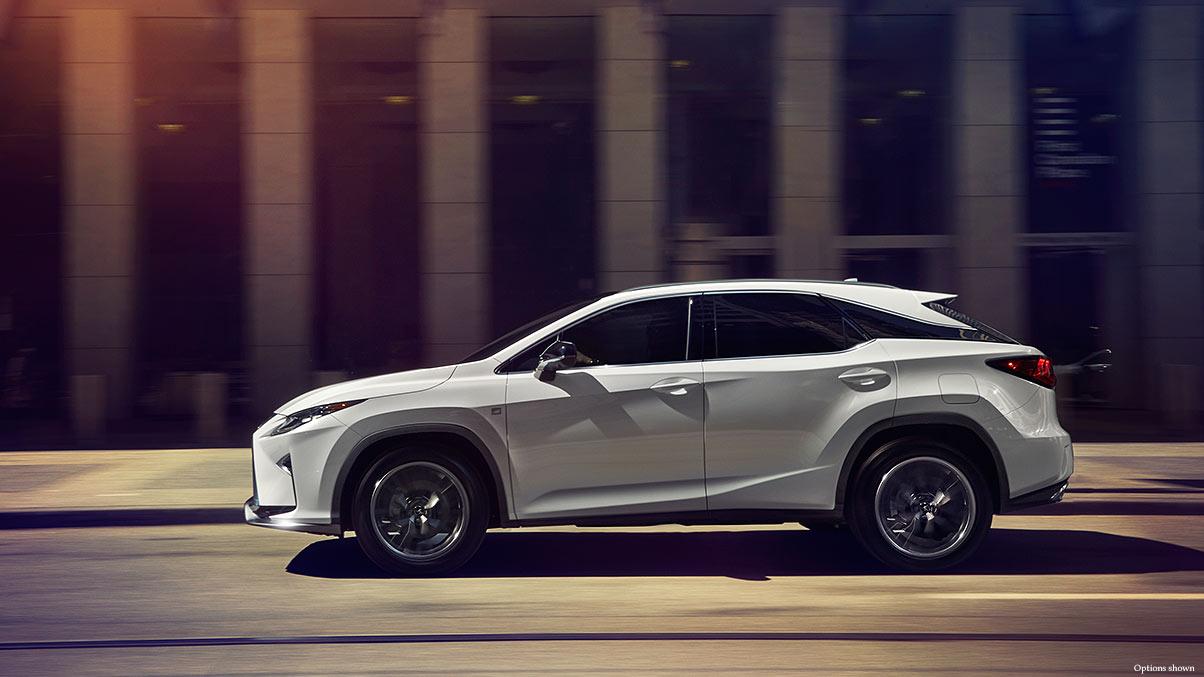 Lexus-RX-enhanced-power-keyfeatures-1204x677-LEXRXGMY160038.jpg
