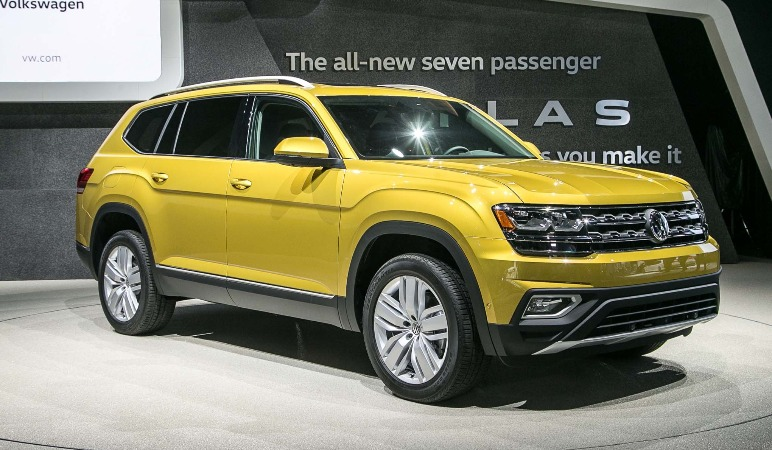 2018-Volkswagen-Atlas-front-three-quarter-03.jpg