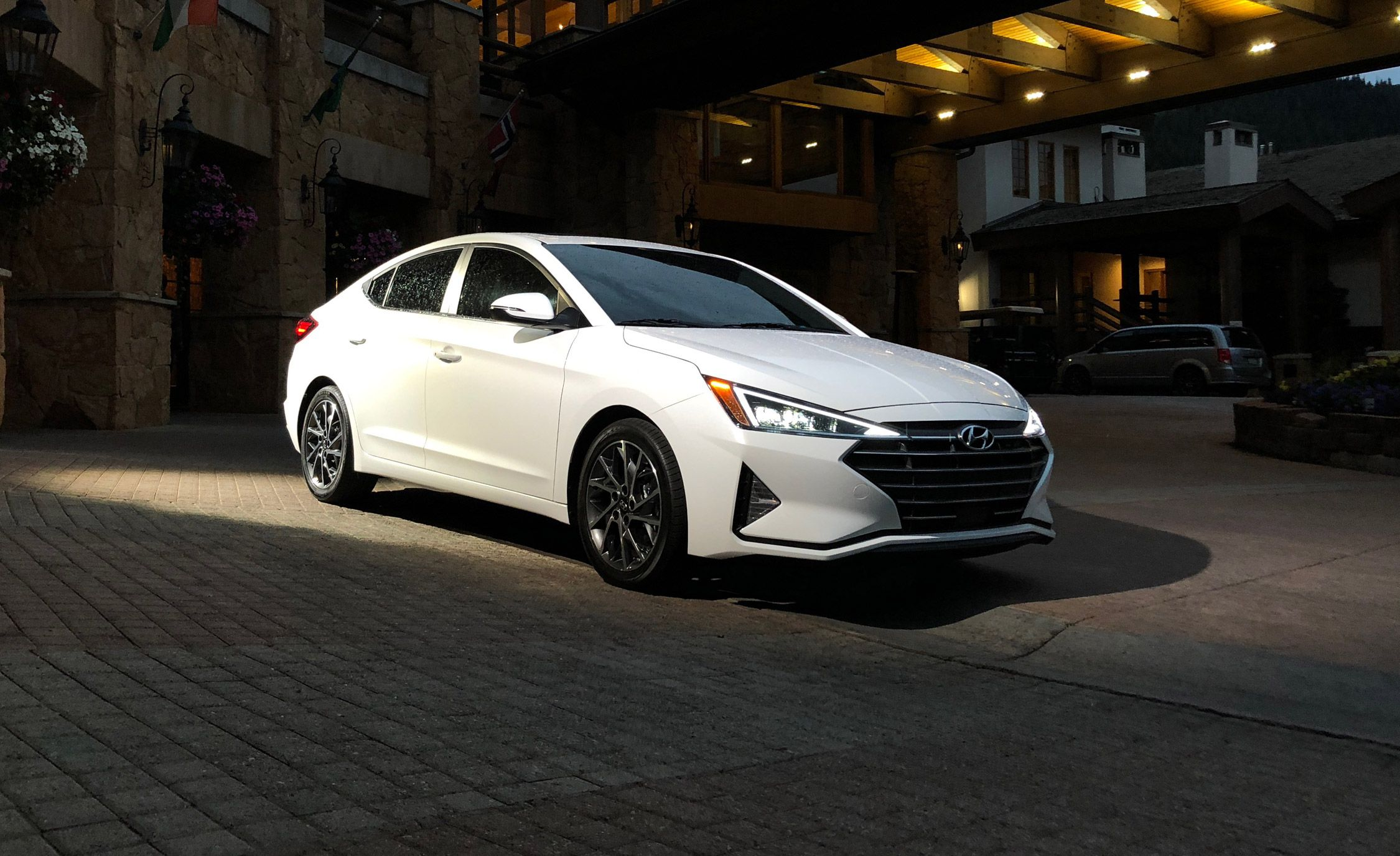 2019-hyundai-elantra-sedan-placement-1534950133.jpg