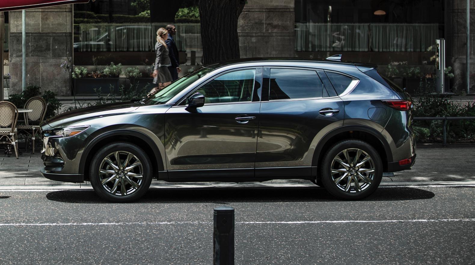 2019-Mazda-CX-5-Signature-02-EXT.jpg