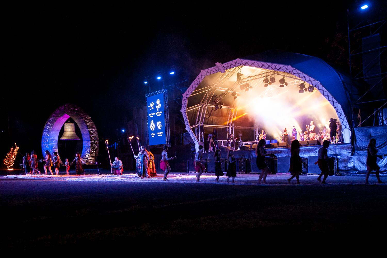 welcome-ceremony-woodord-folk-festival-cynthia-lee-photographer-3.jpg