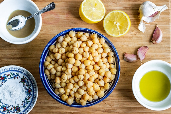 Bildet er fra Jamie Olivers nettside og  hummusoppskrift