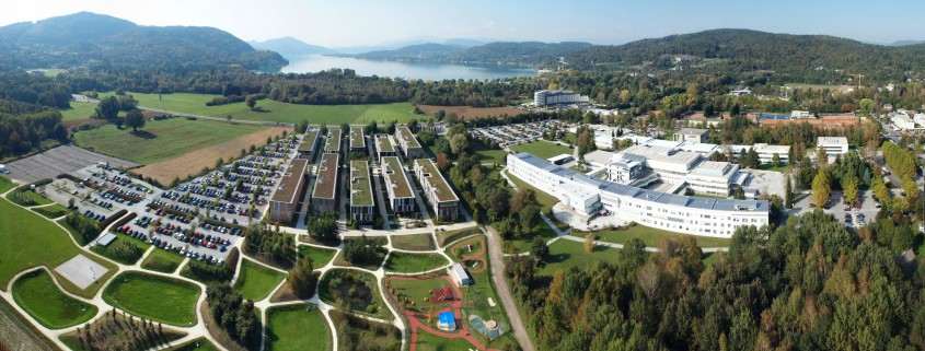 Lakeside district Klagenfurt: Lakeside Park (left), University of Klagenfurt (right), Lake Wörthersee (background)