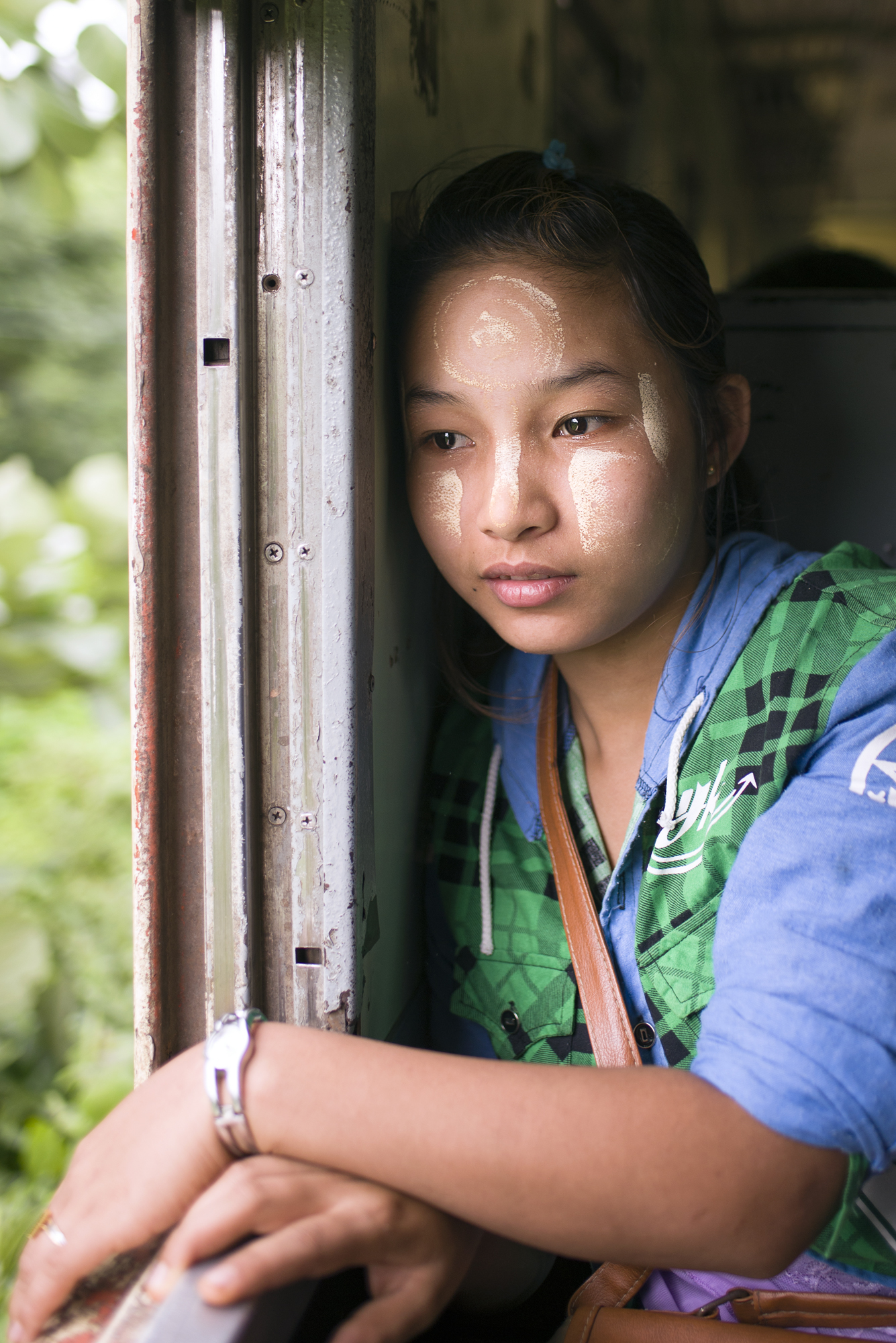 WINDOW GIRL.jpg