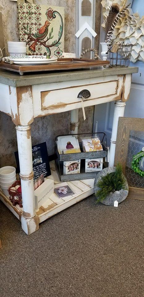 44 Marketplace Antiques, Decor & More