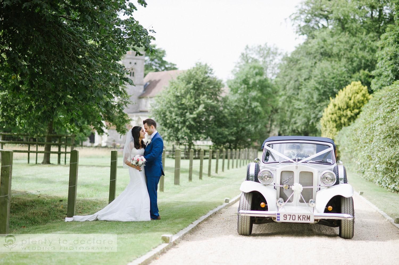 22. roses wedding car hampden house plentytodeclare photography-1.jpg