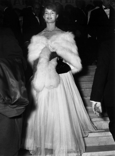 brigette bardot 1953.jpg