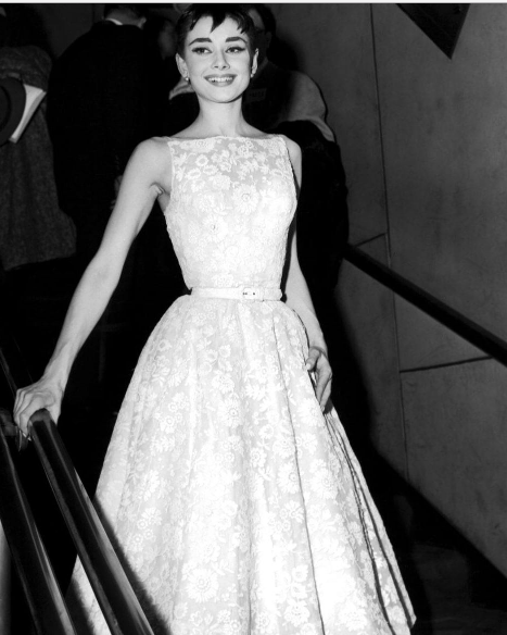 1954 - Audrey Hepburn in Givenchy  -