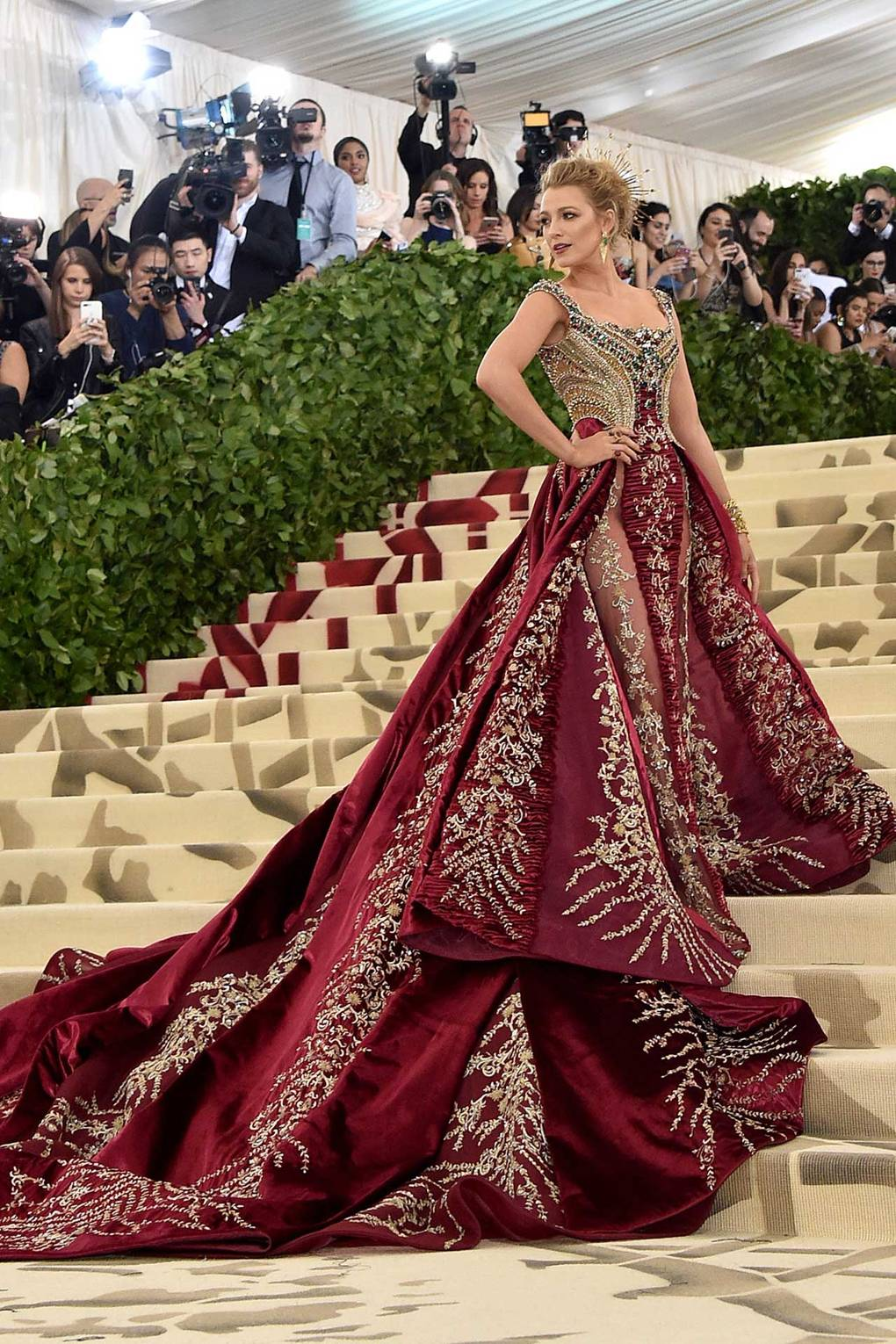 BLAKE LIVELY IN VERSACE.jpg