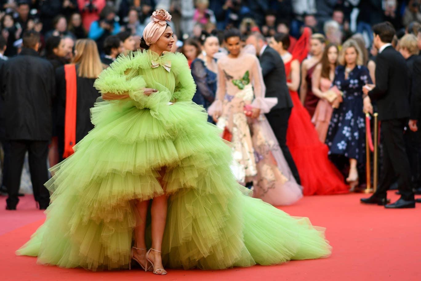 Cannes - Deepika Padukone in Dundas.jpg