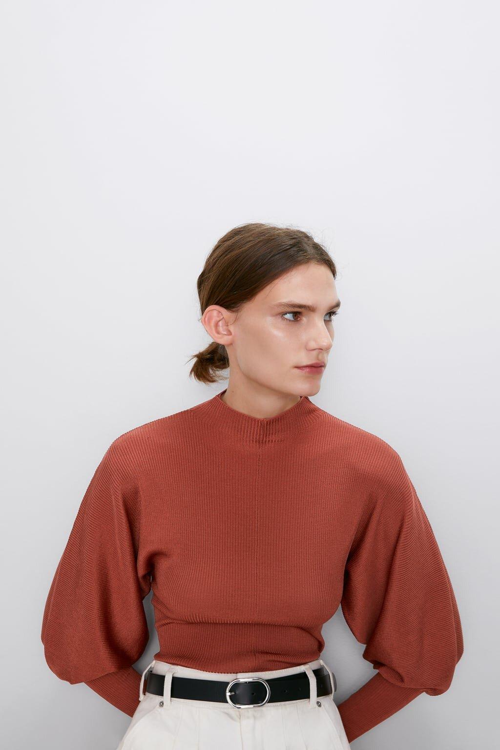 High necked sweater with puffed sleeves, Zara -ú25.99.jpg