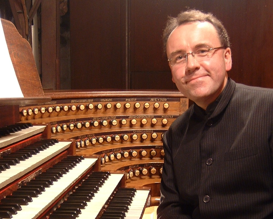 David Briggs - Concert Organist  Sunday, February 16, 2020, at 3 p.m.  Enjoy timeless masterpieces, transcriptions of symphonies, and amazing improvisations by the Artist in Residence at the Cathedral of St. John the Divine, NYC. Sponsored by the American Guild of Organists with a reception afterward.