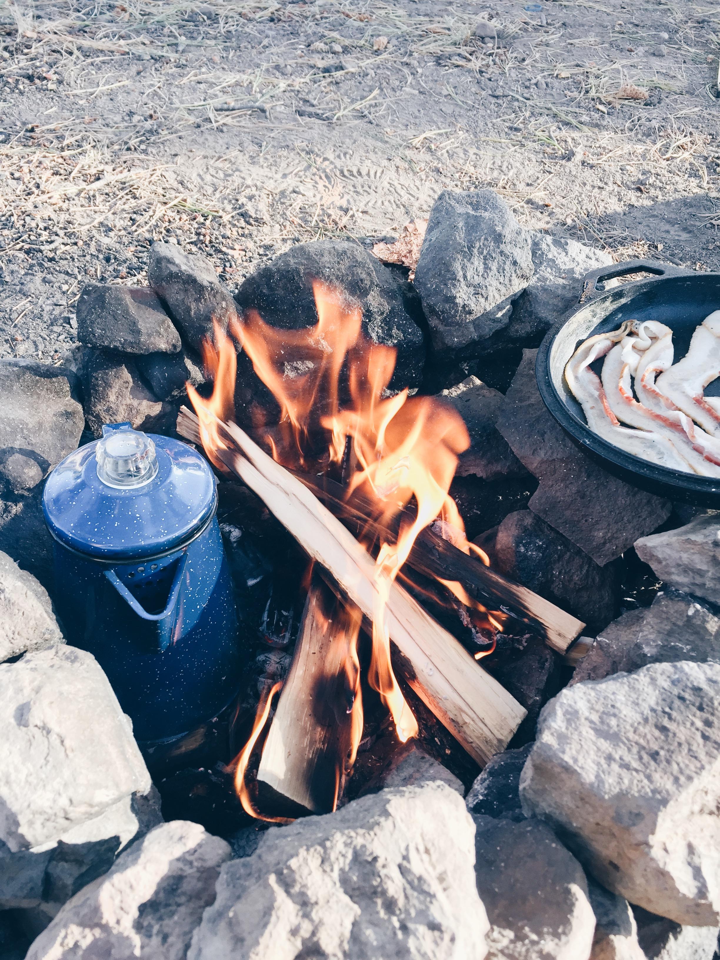 Breakfast - Temperature: 43°FOn the menu:  bacon  eggs  potatoes  coffee