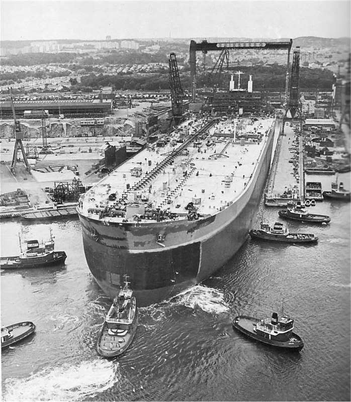 "Undocking of the ""Nai Genova"" from Eriksberg Mekaniska Verkstads AB., Göteborg, Sweden, 1978. (www.aukevisser.nl)"