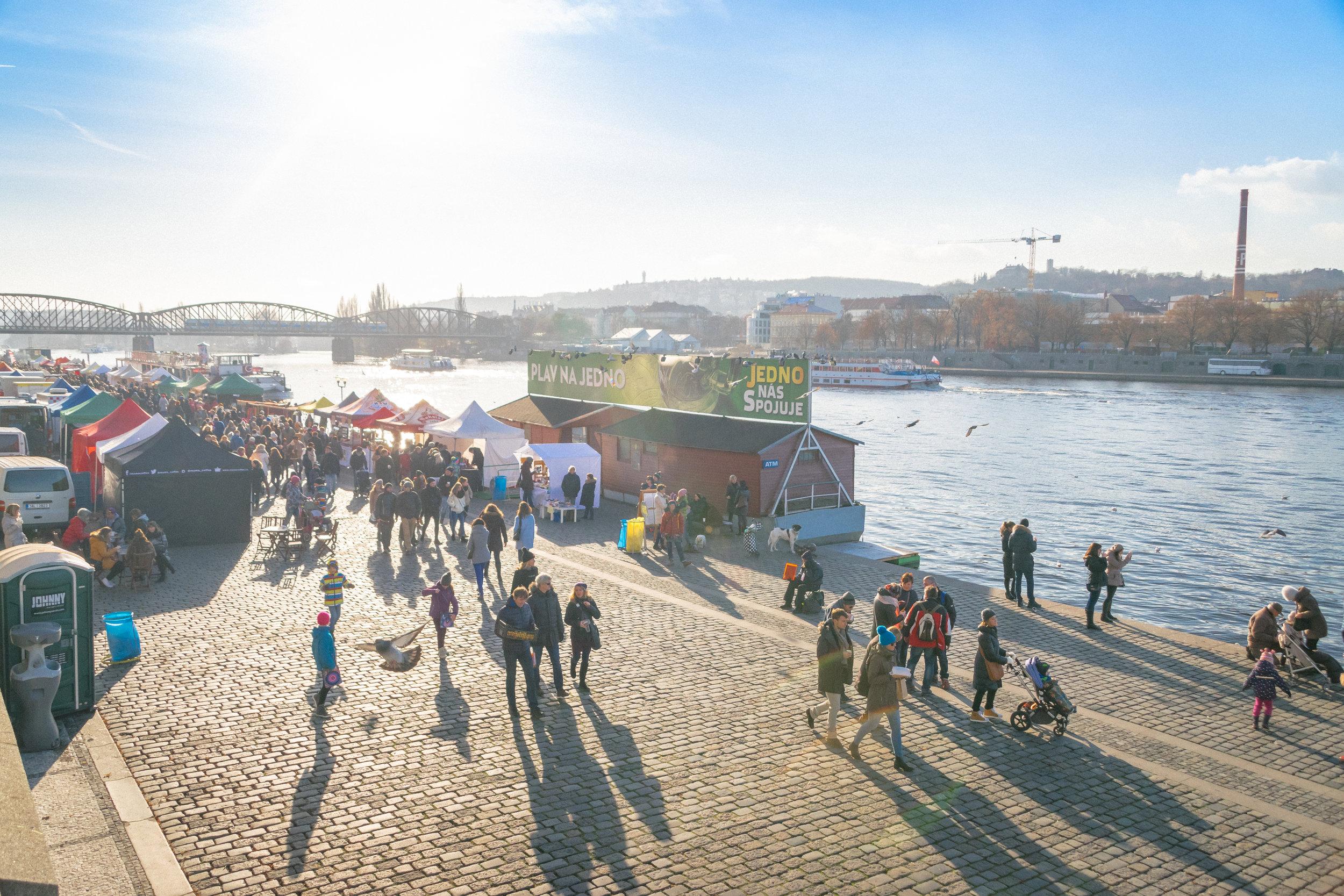 Naplavka Farmers' Market