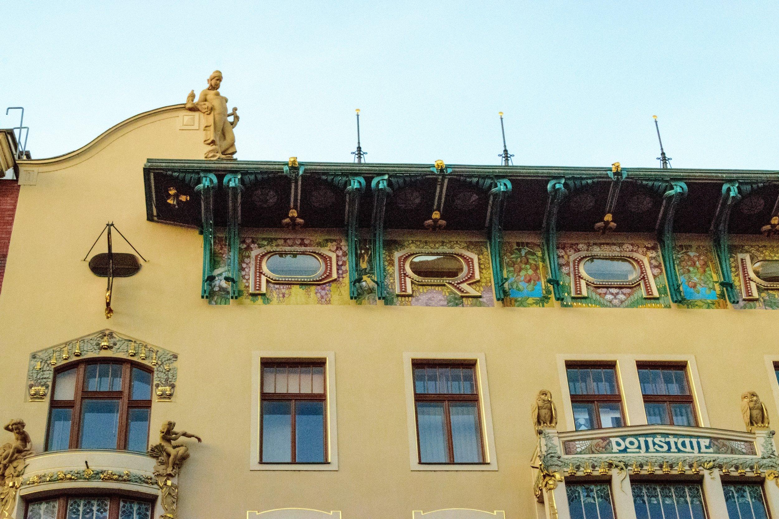detail of the 1905 Praha Assurance building