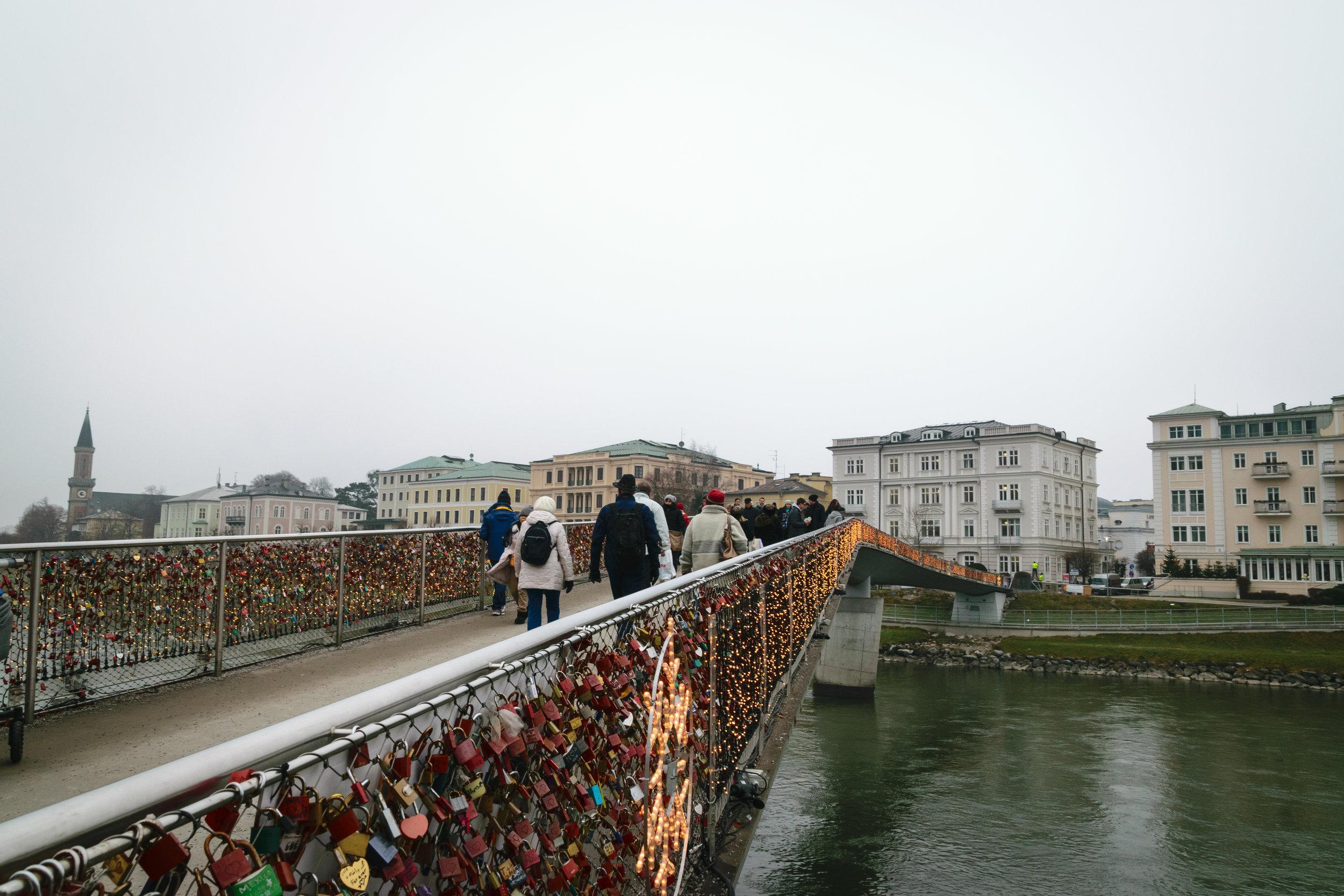 the modern bike/ped Makartsteg bridge