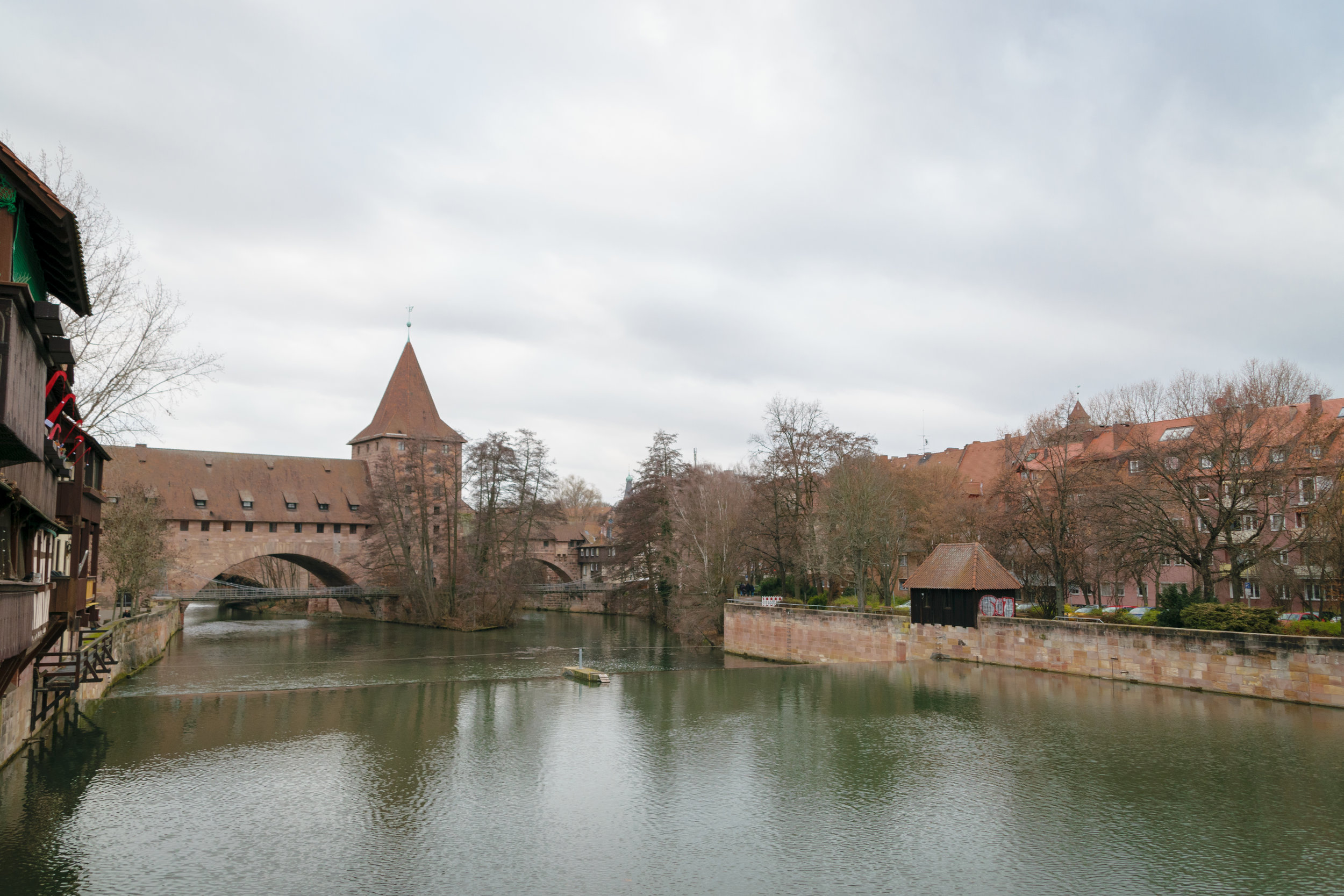 the Pegnitz river bisects the old town