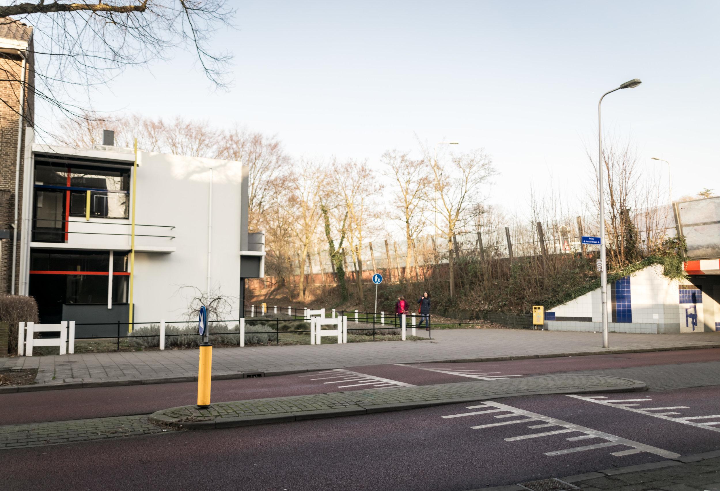 Rietveld Schröder House Utrecht-2.jpg