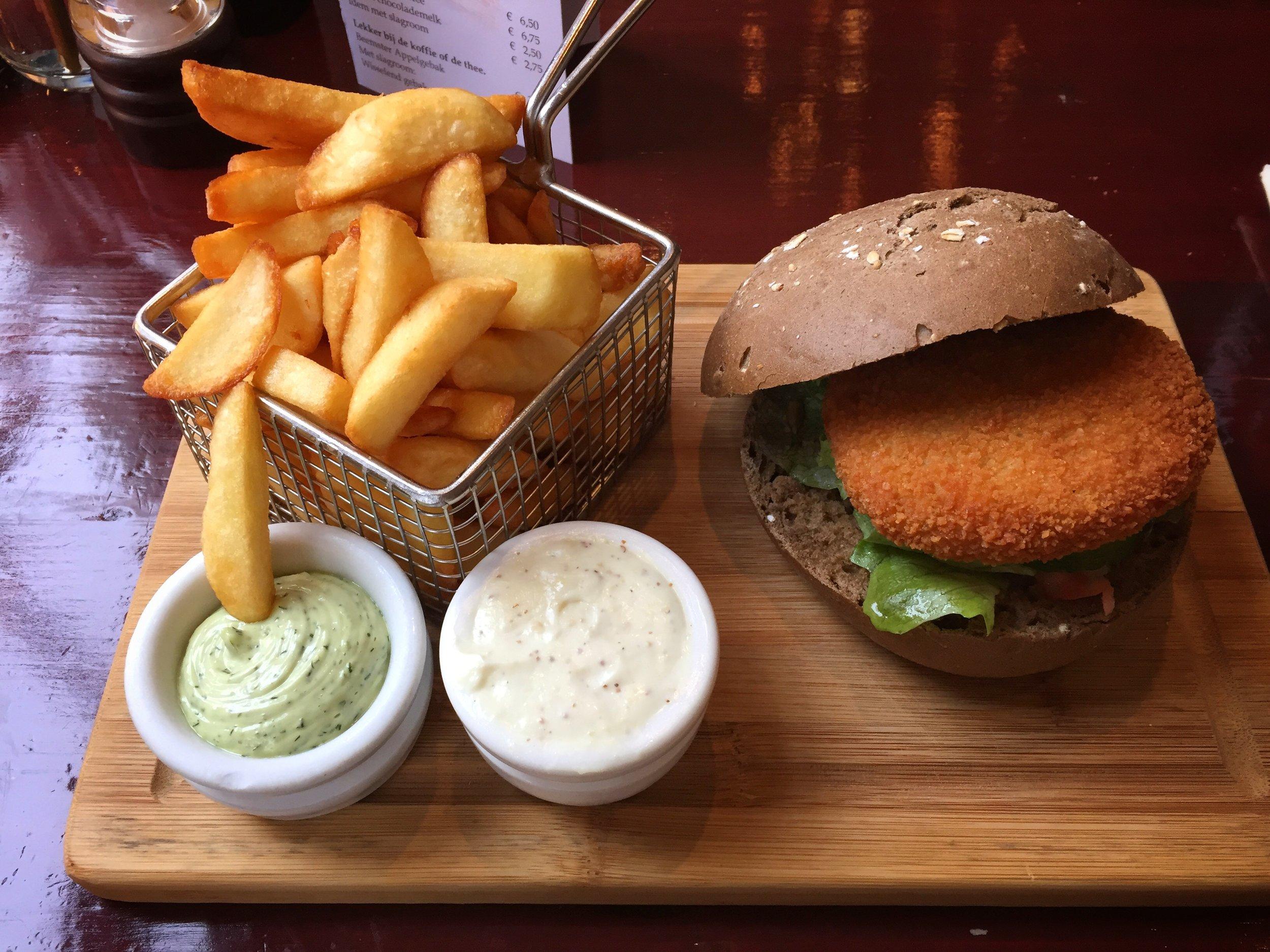 veggie burger & fries at Hotel-Café-Restaurant De Fortuna (Edam)