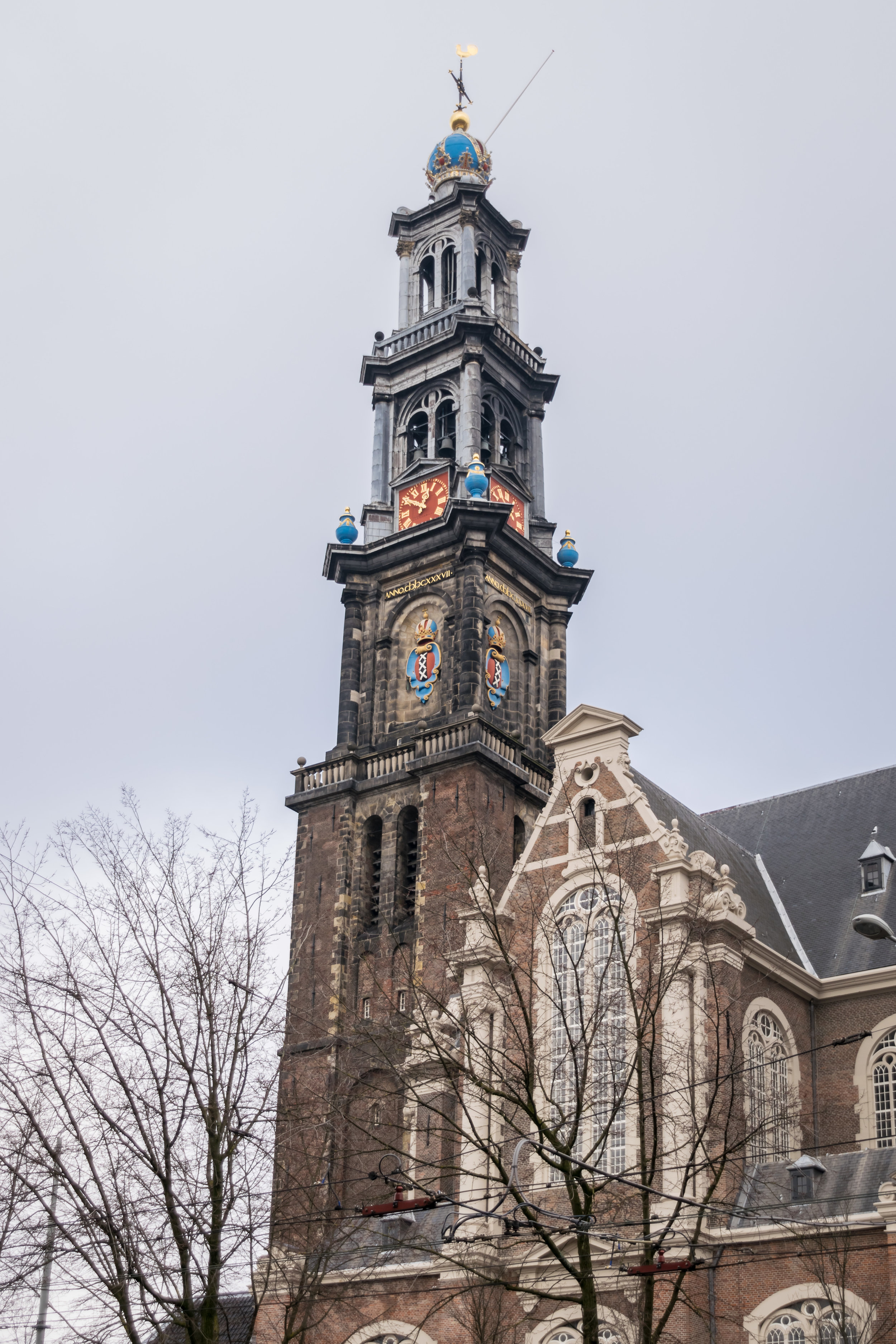 the 800-year-old Oude Kerk