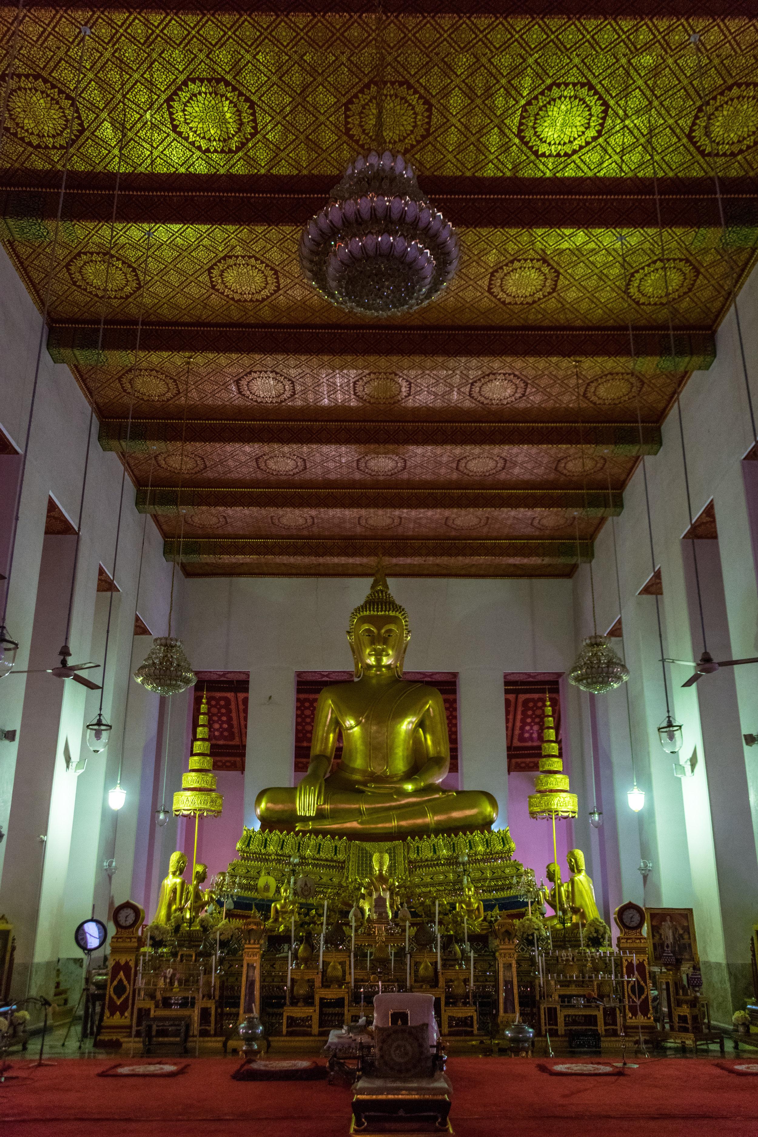 Bangkok temple-8.jpg