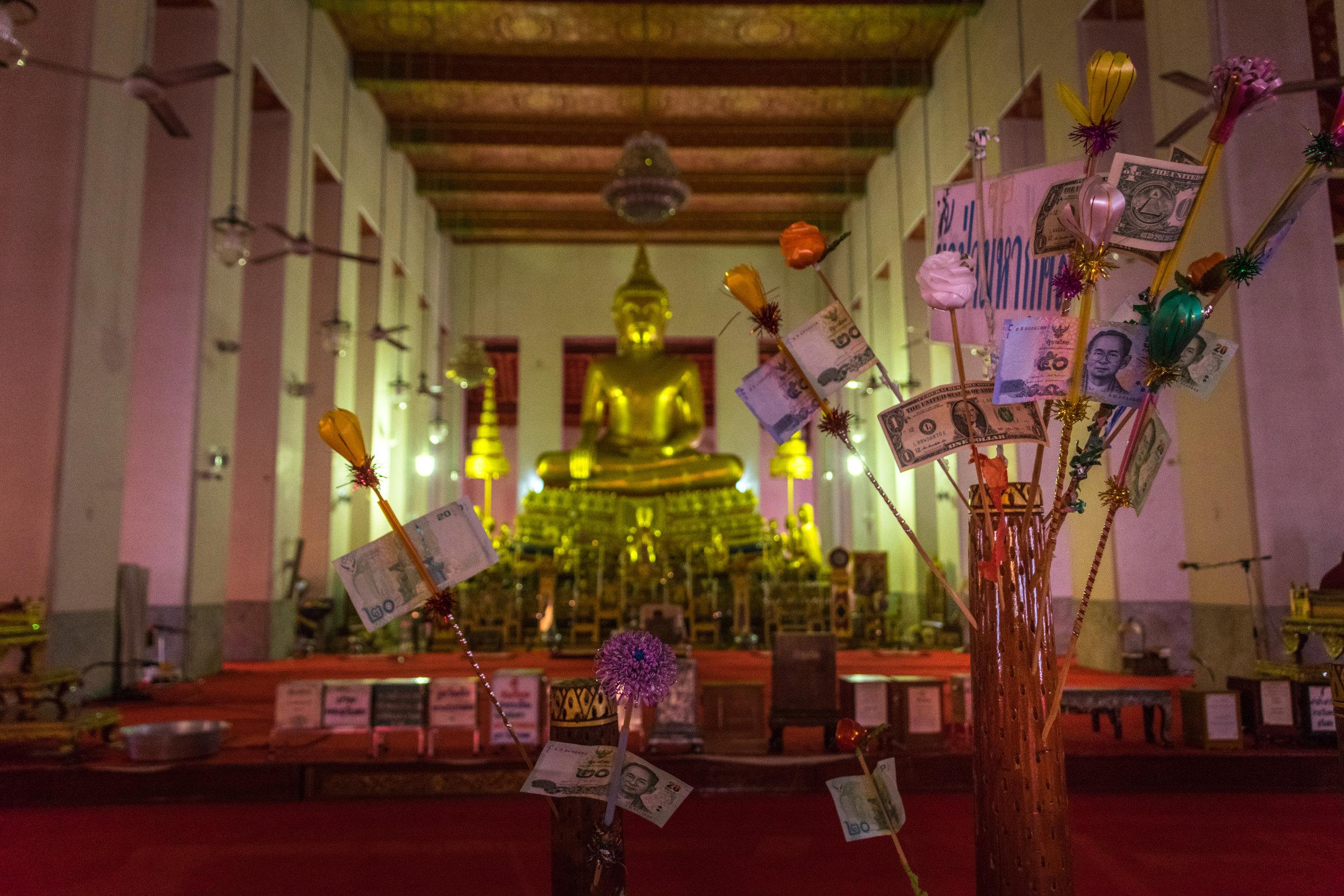Bangkok temple-9.jpg