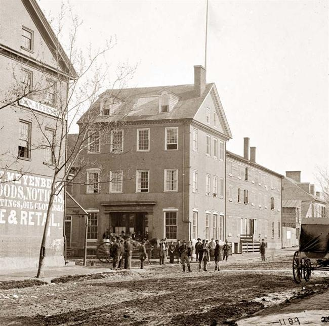 The Marshall house, King & Pitt Streets, 1860s (photo credit:  old-picture.com )