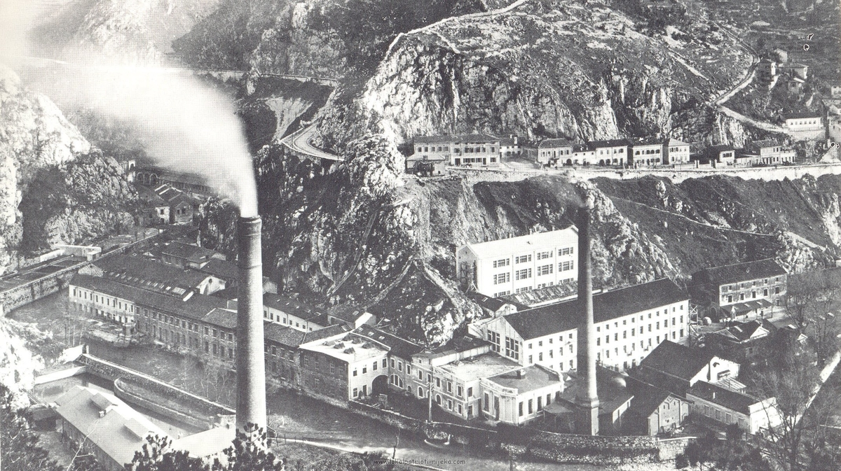 paper factory, 1925 (photo source: lokalpatrioti-rijeka.com)