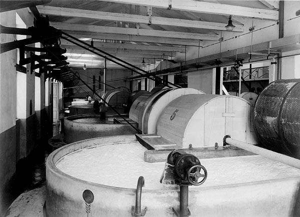 factory interior, vats (photo source: muzej-rijeka.hr)