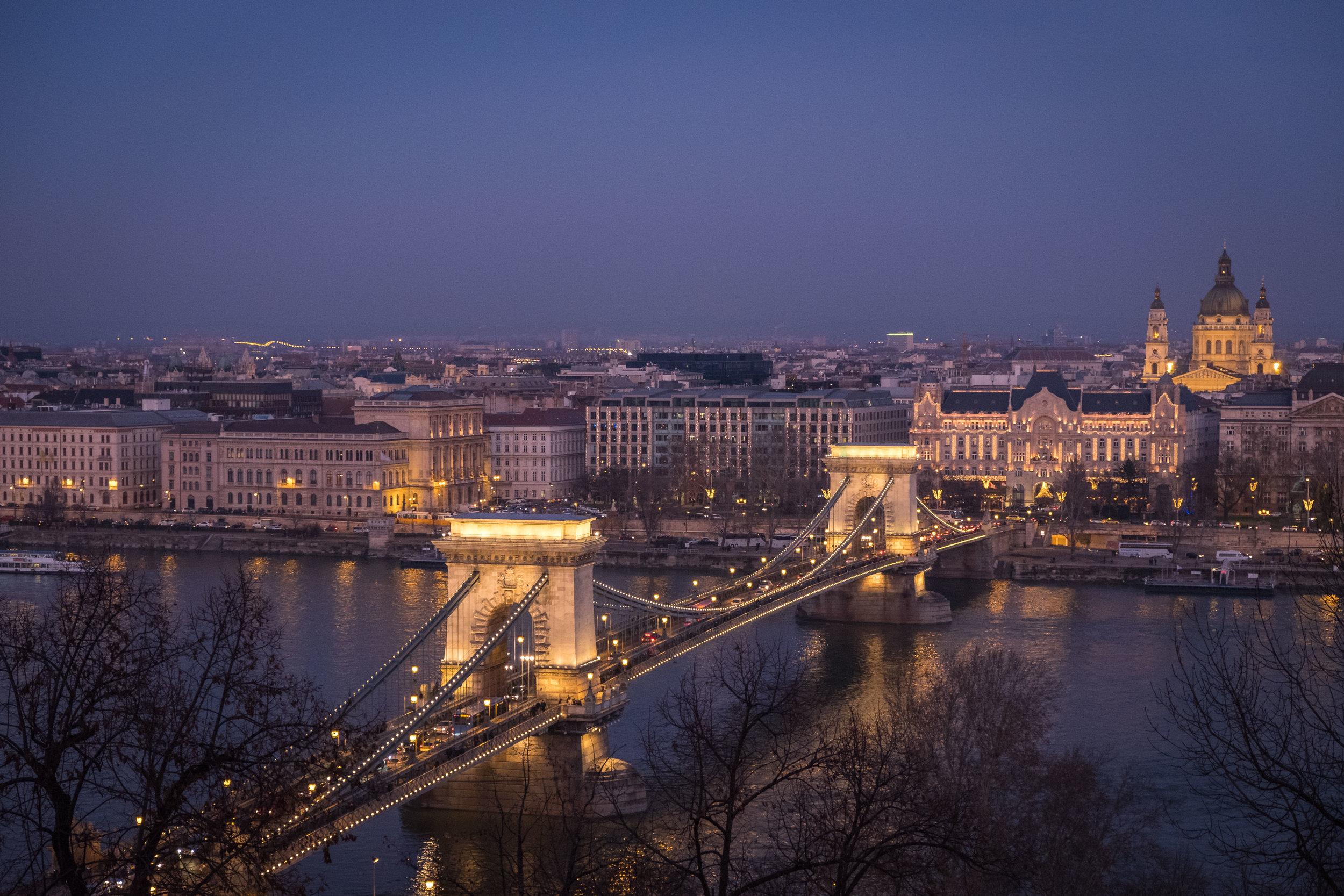 night view of the Széchenyi Chain Bridge