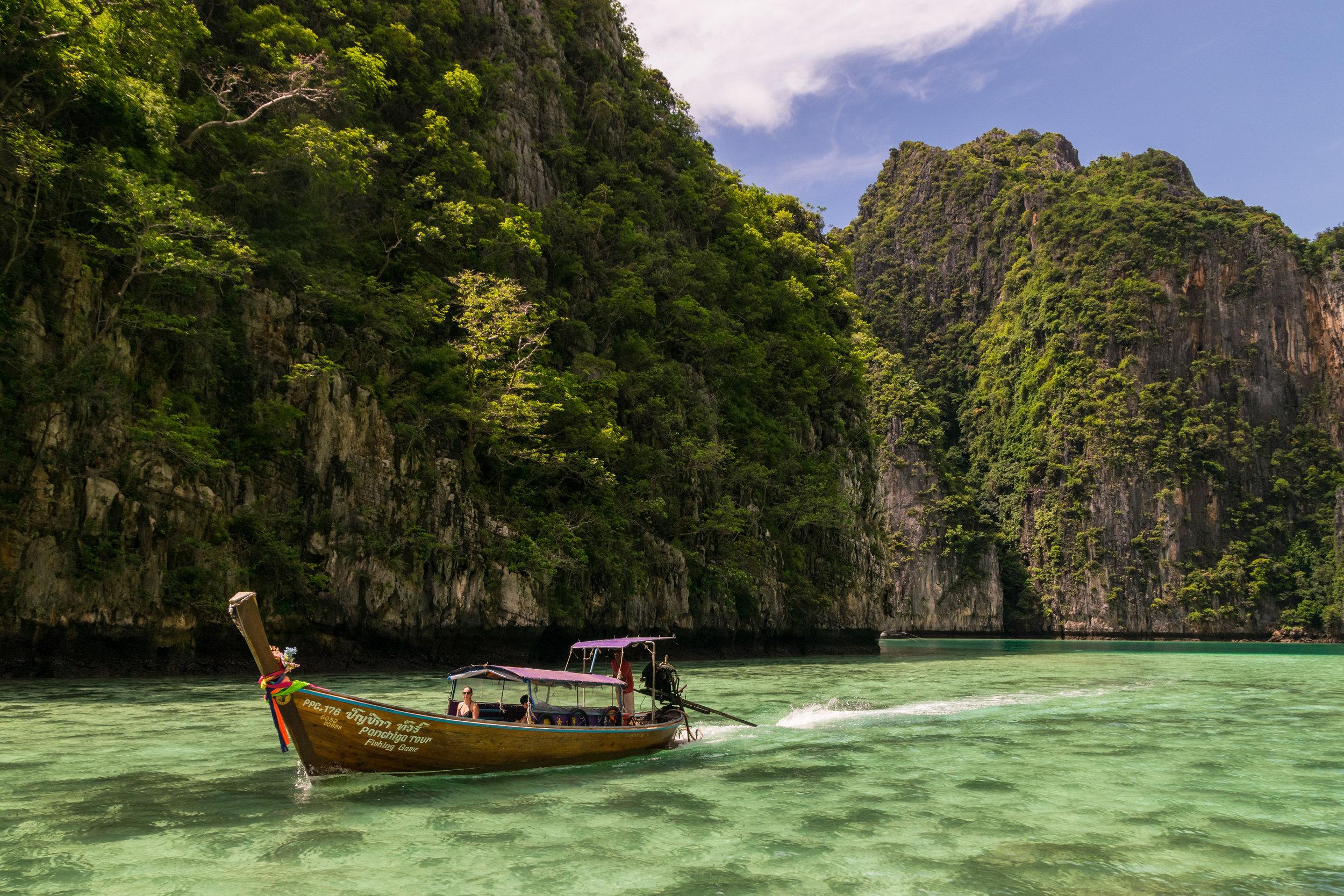 Thailand_Phuket+islands_boat-1.jpg