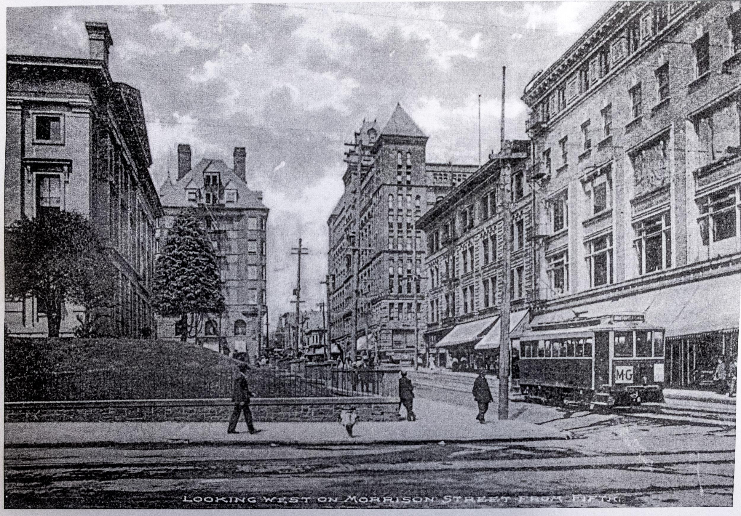 Scene from downtown Morrison Street, 1907