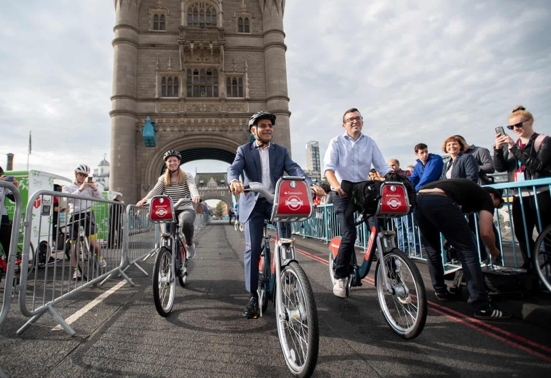 London's Tower Bridge on car-free day 2019 (photo credit  theguardian.com.uk )