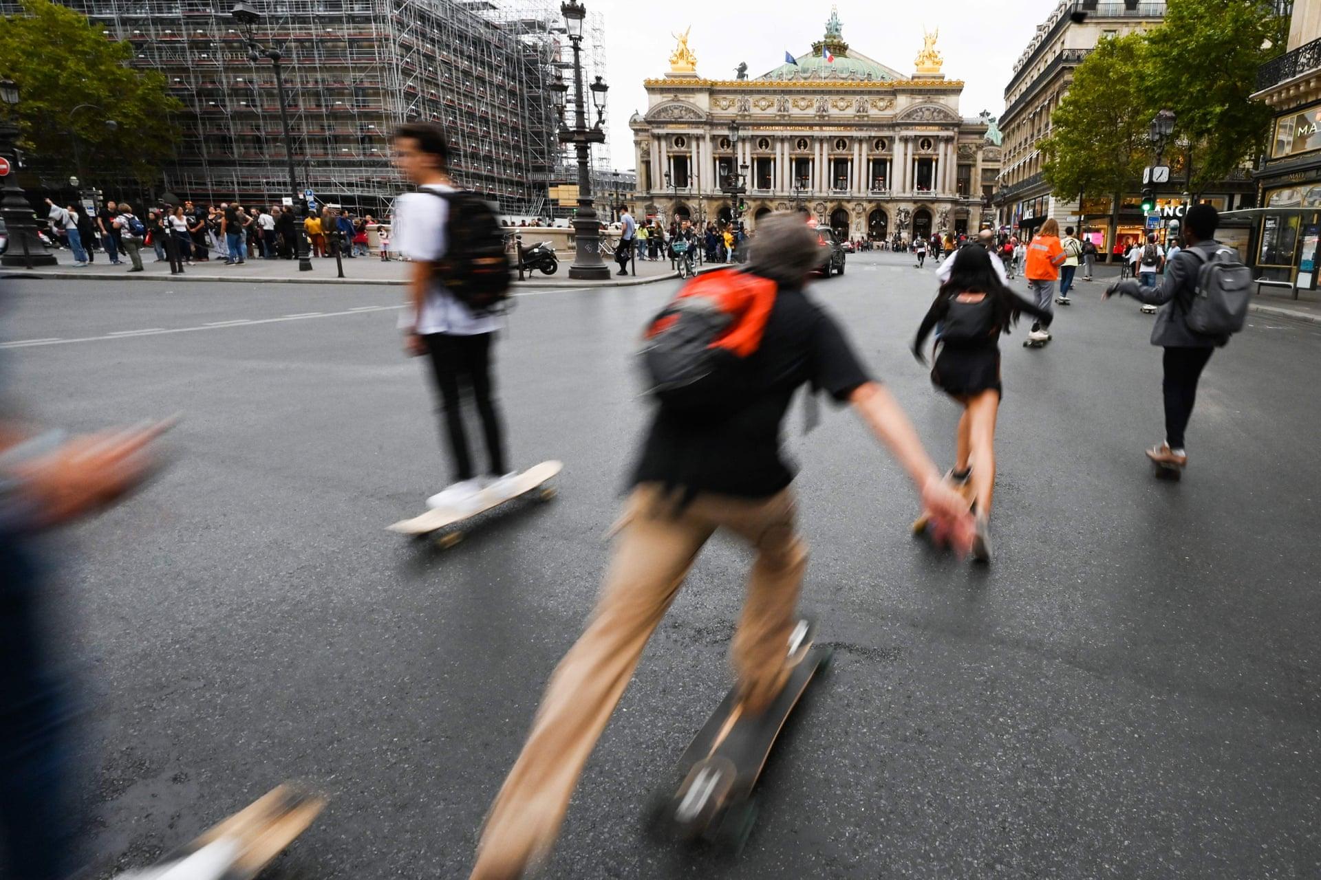 Paris' Opera Avenue on car free day 2019 (photo credit  theguardian.com.uk )