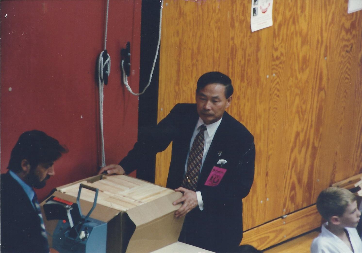 0207 US Taekwondo Cup Grandmaster Lee and Master Lemire 1996-10.jpg