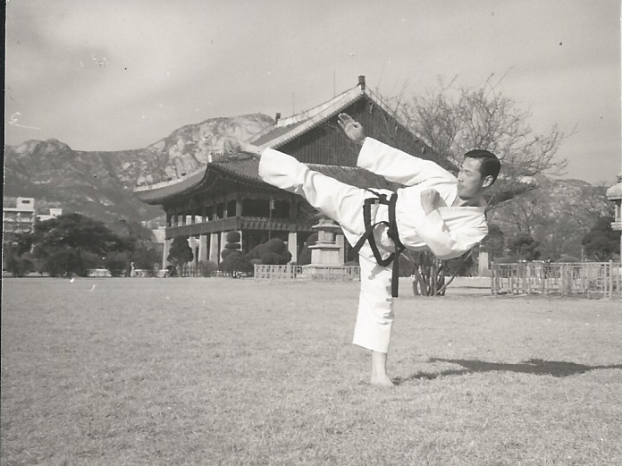 glee0006 Kukkiwon Korea 1970s.jpg